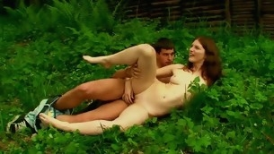 Nasty hottie performs sex on be imparted to murder grass with their way agile partner